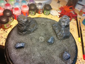 First drybrush coat on the little rocks, but not the big ones yet.